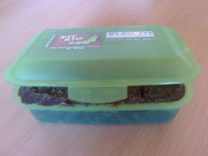 Brotzeitbox, das Torti lässt sich gut mitnehmen und auch einfach herausnehmen