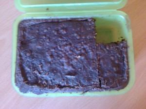 Brotzeitdose mit kleinem Schoko-Kirsch-Kuchen